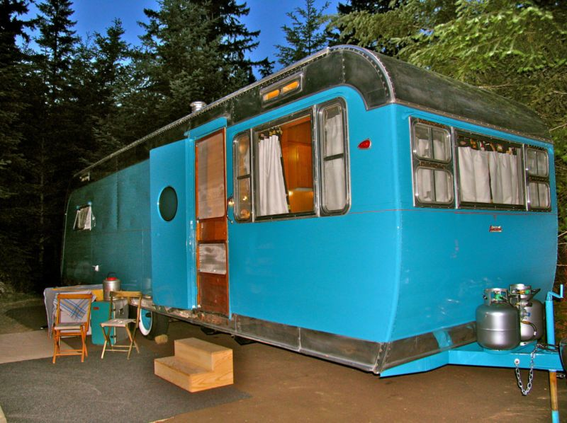 1954 Traveleze vintage trailer camper camping rv travel
