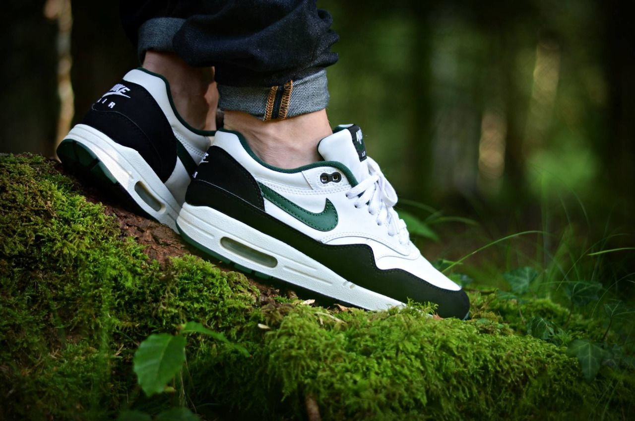 sports shoes 79884 805ab Nike Air Max 1 Forest Green