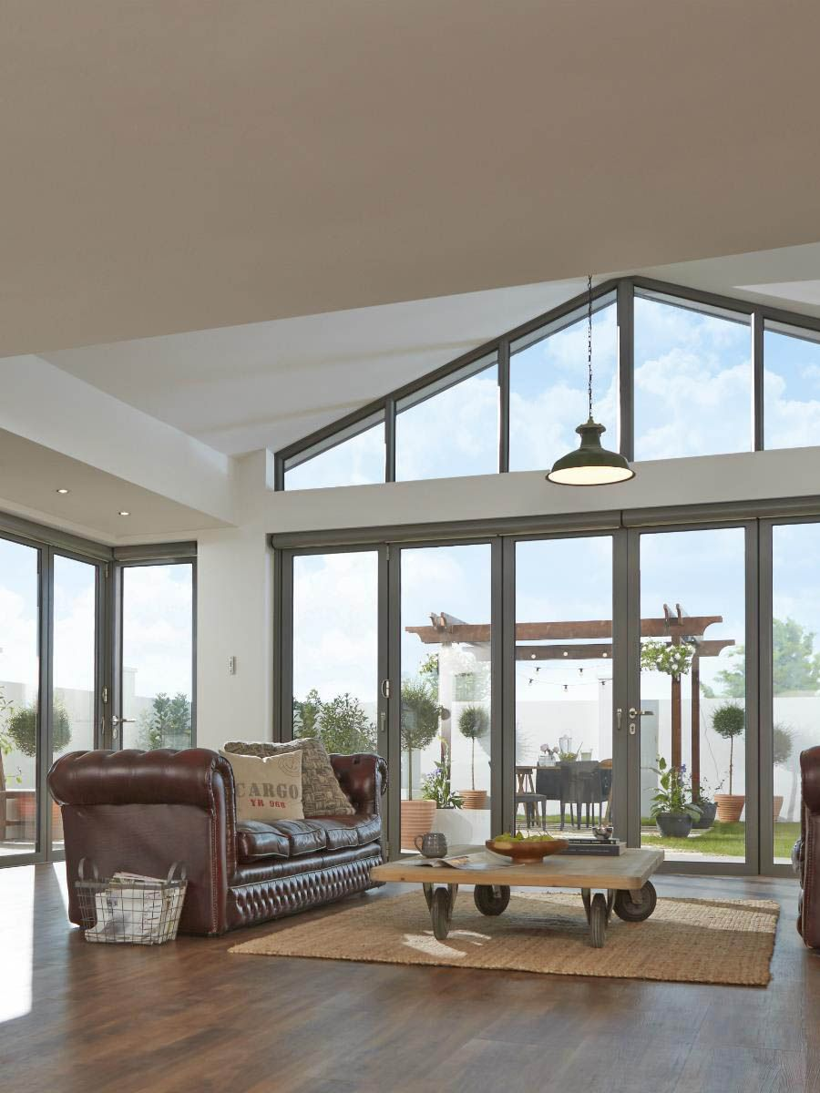 Ideal for impressive vaulted ceilings, trapezoid windows ...