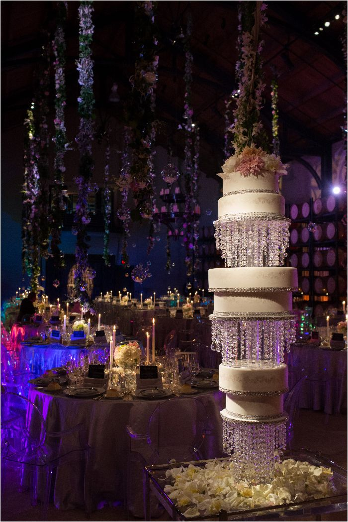 High End Luxury Chandelier Cake Fresh Flowers Expensive Wedding Details Hanging From The High Extravagant Wedding Cakes Extravagant Wedding Dream Wedding Cake