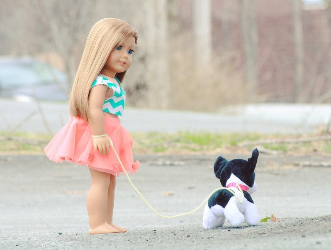 What a fantastic American Girl Doll photo. Love it.