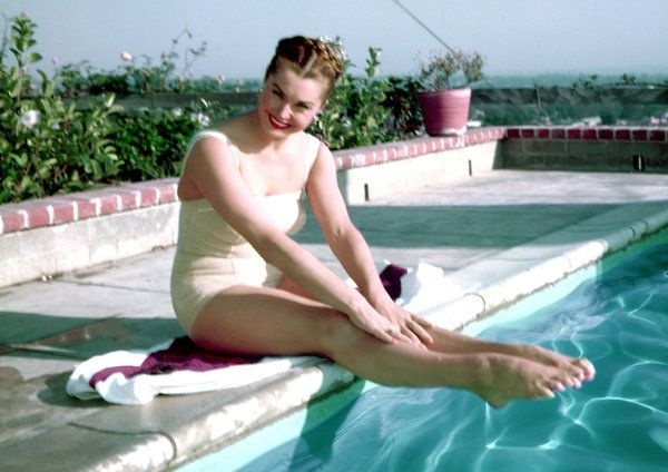 Esther Williams Who Swam To Movie Fame Dies At 91 Esther Williams Swimming Champions And