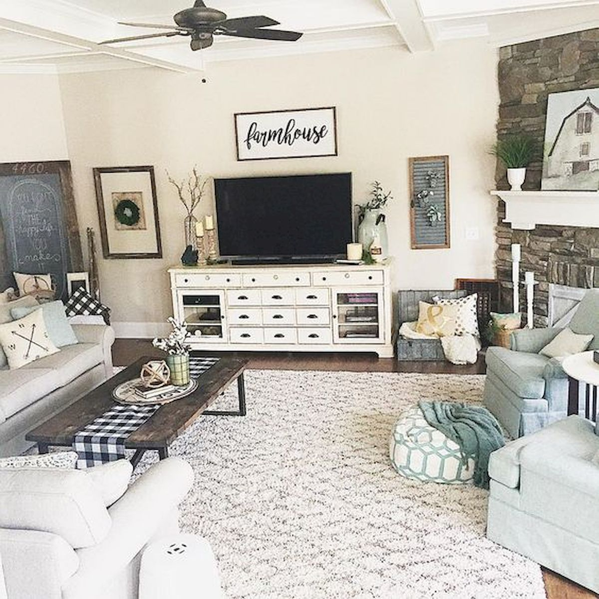 Adorable 33 Best Farmhouse Living Room Tv Stand Design Ideas Https Coachdecor Com 33 Best Farm Farm House Living Room Living Room Tv Stand Rustic Living Room
