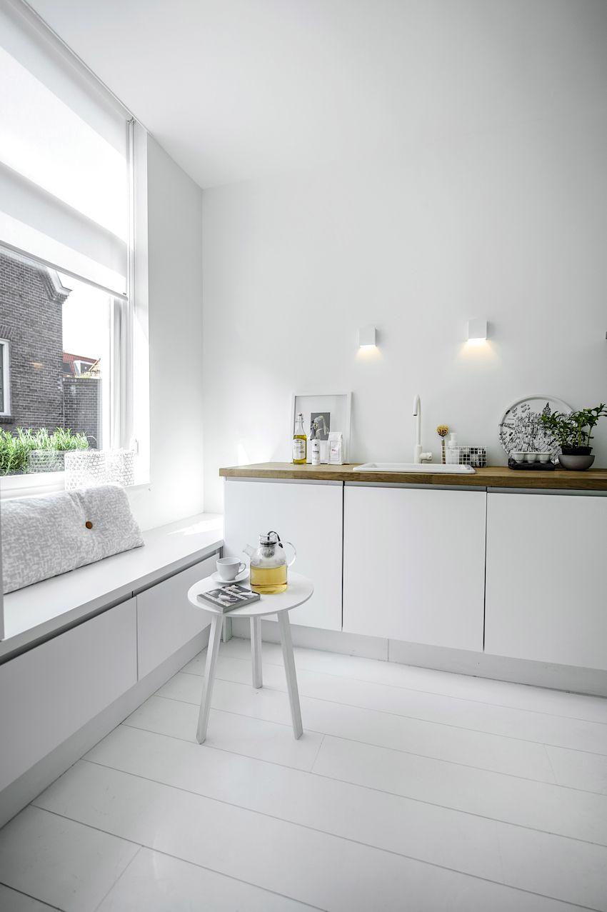 white kitchen, wooden accents | Nu Interieur Ontwerp | via Nordic ...