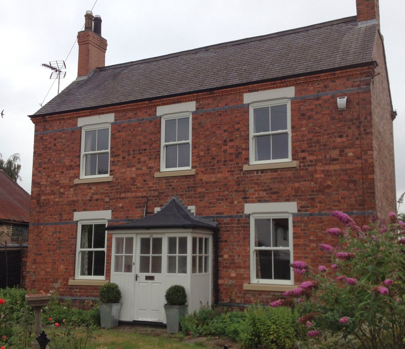 Cream Windows On Red Brick House Ireland Google Search Red Brick House Exterior Brick Exterior House Red Brick House