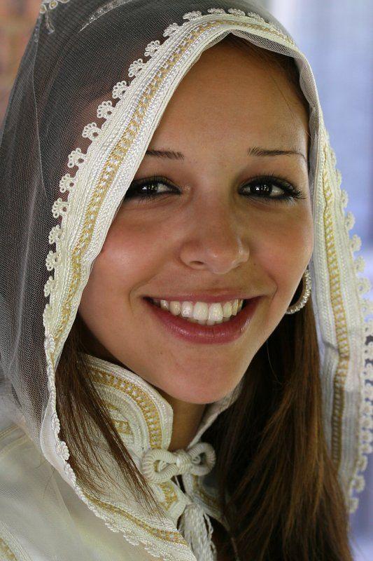 Beautiful berber bride - Maroc Désert Expérience tours http://www.marocdesertexperience.com