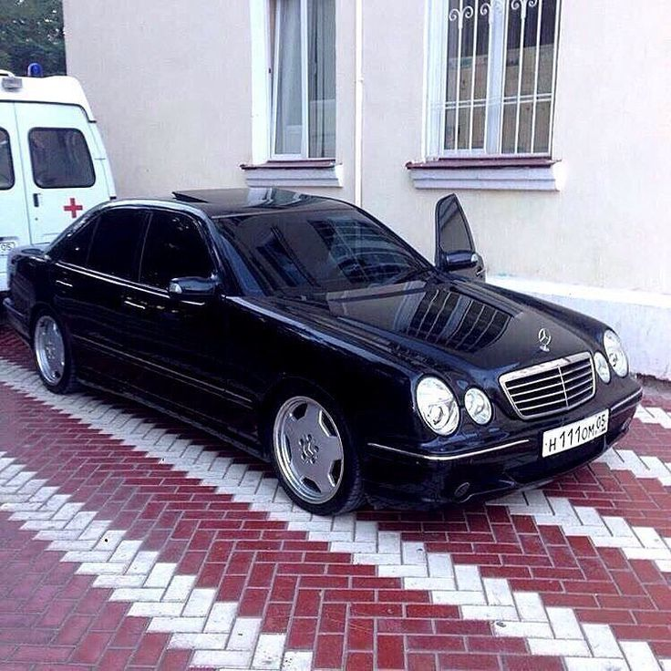 Mercedes Benz W210 Is The Second Generation Of Executive