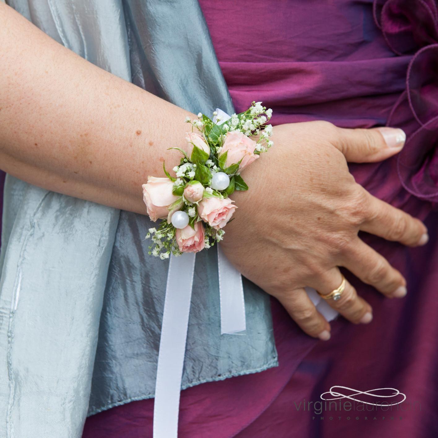 bracelet de fleurs rose gypsophile avec a fleurs de pot saint marcellin en is re 38. Black Bedroom Furniture Sets. Home Design Ideas