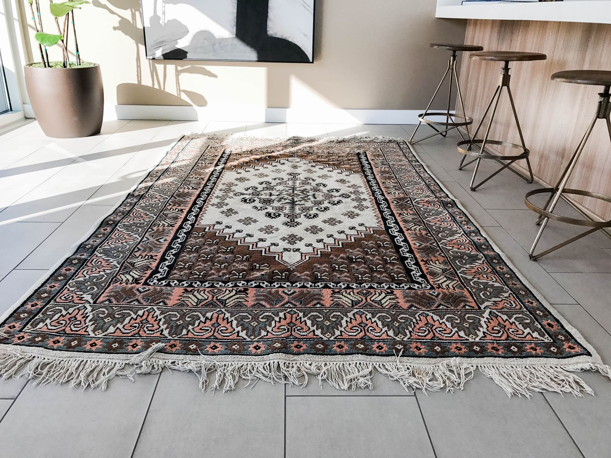 A Guide To Ing Rugs Online Let S Be Honest Rug Is Kinda