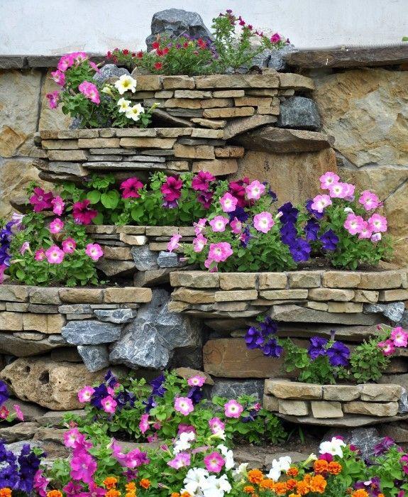 eine natursteinmauer wertet den garten auf und kann eine. Black Bedroom Furniture Sets. Home Design Ideas