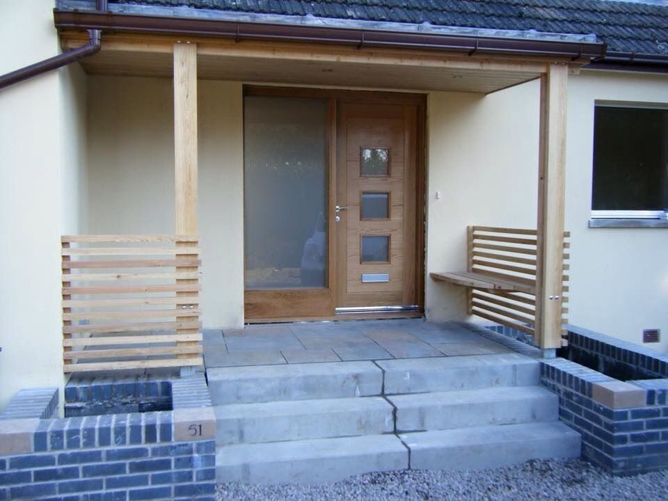 I like the idea of the seat by the front door and the large entrance.