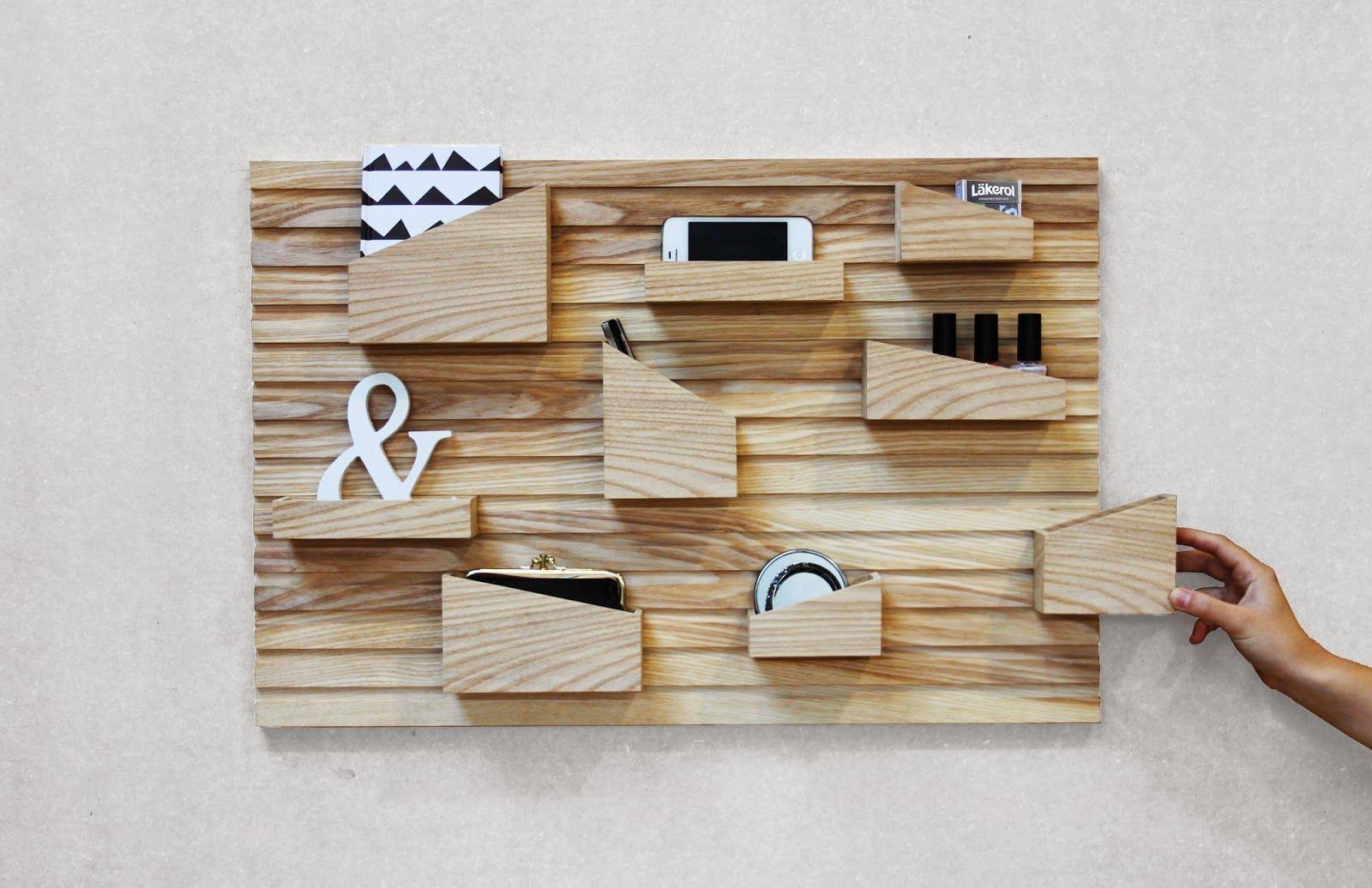 DESIGN     InPut er et moderne opbevaringsmøbel. Designet tager udgangspunkt i behovet for at kategorisere mindre genstande som nøgler,...