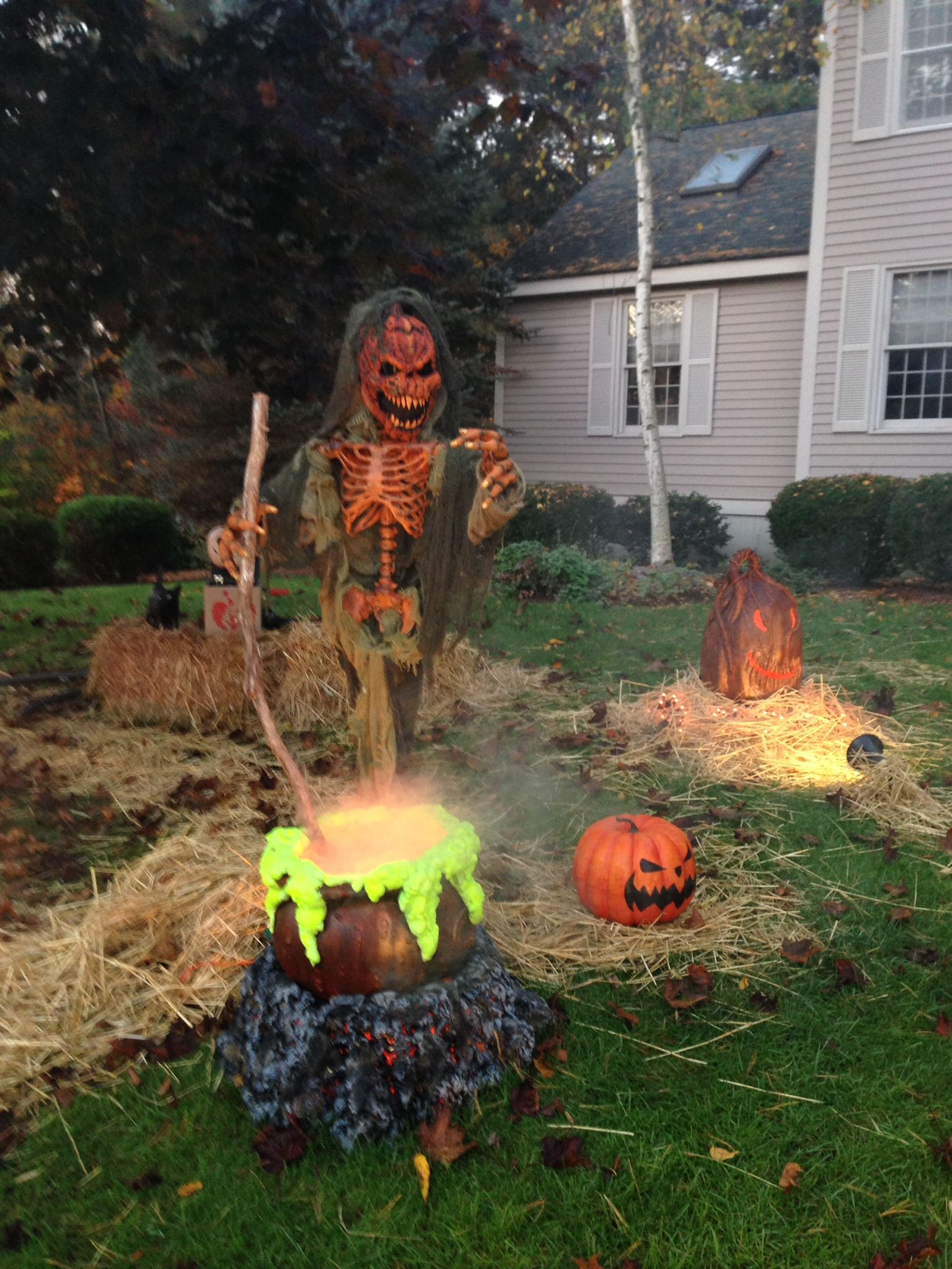 Pin by Thehauntedboro on Halloween DIY Yard Decorations Pinterest - Halloween Graveyard Decorations