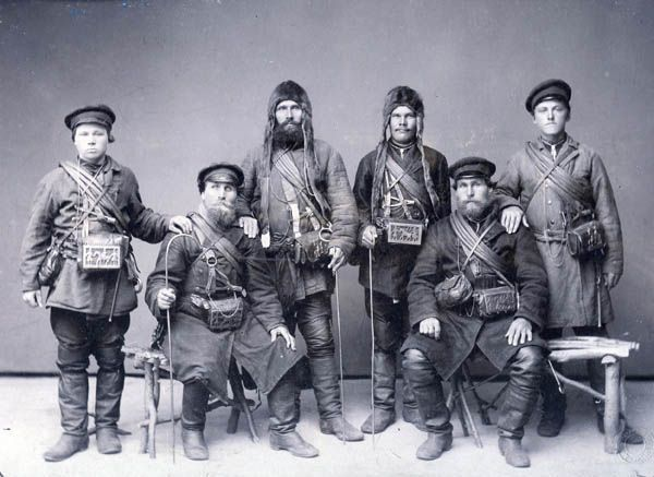 Поморы   Uniformi militari, Militari
