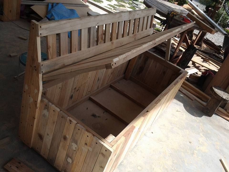 Pallet Outdoor Bench with Storage Box | 99 Pallets