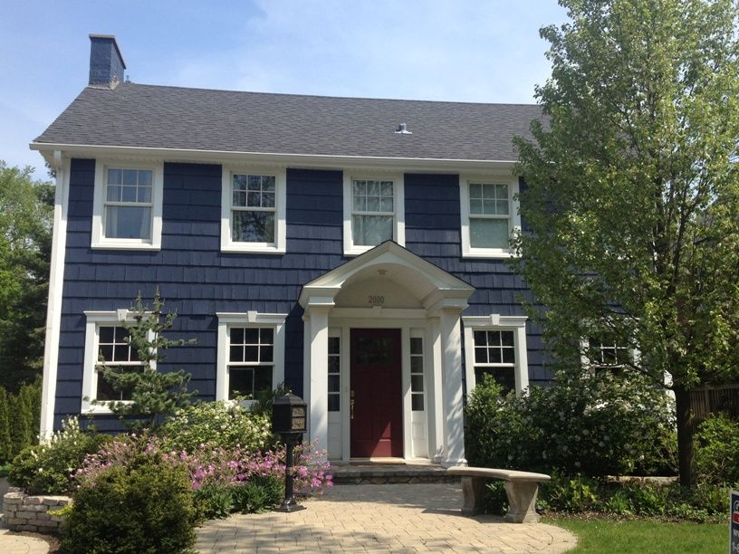 Hale Navy A Makeover In Wilmette Colonial House Exteriors Colonial Exterior House Paint Exterior