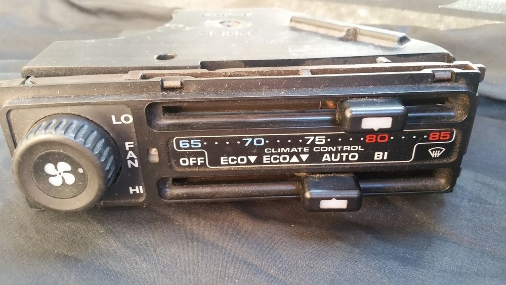 Porsche 928 A/C & Heating Climate Control Switch Panel BEHR