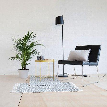 diese stehlampe mit verstellbarem gelenk liefert einen genauen einblick in die funktionsweise. Black Bedroom Furniture Sets. Home Design Ideas