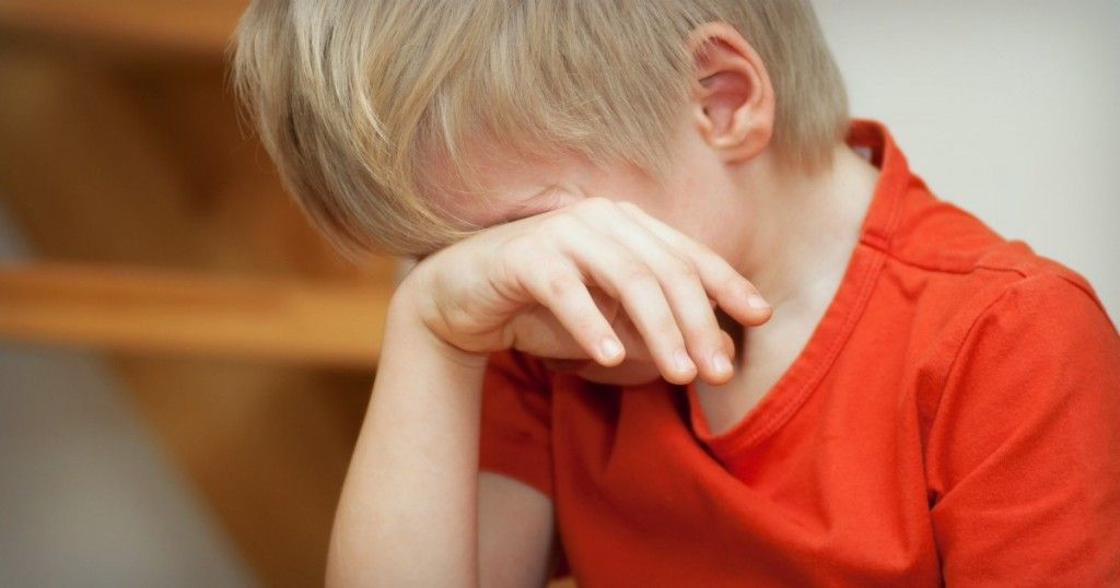 How to calm down a crying child without yelling or bribing