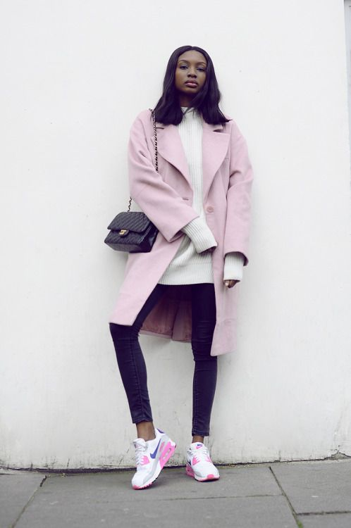 Sneaker outfit ideas - For more styling tips and inspiration check out my website www.littlepinkmoto.com