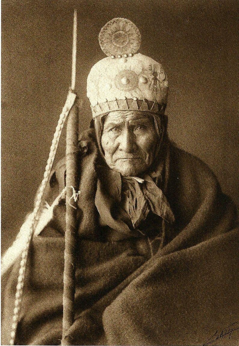Geronimo, Chiricahua Apache Chief (1905) - Edward Curtis   Native american  history, Native american indians, Native american heritage