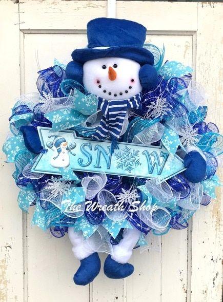 Frosty Blue Snowman Wreath #decomeshwreaths