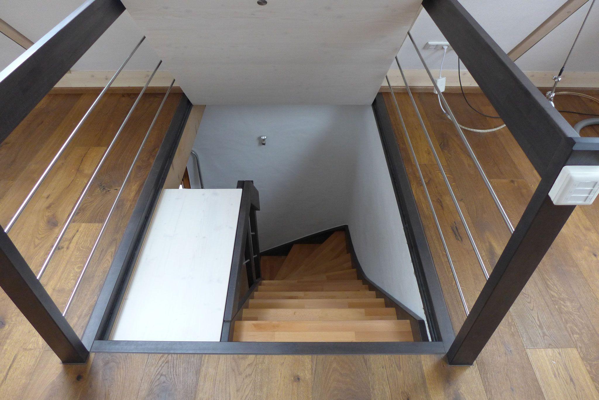 dachluke mit treppe