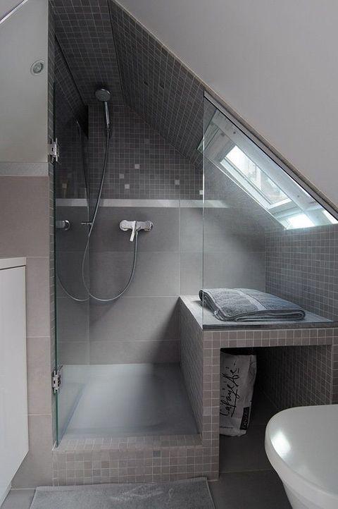 52 Cool And Smart Attic Bathroom Designs Badrumsideer Badrum