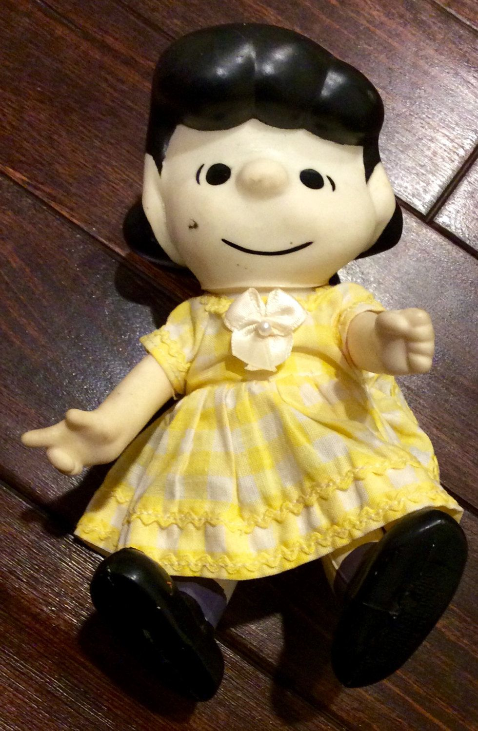 1966 United Features Syndicate 7 Lucy Peanuts Gang Poseable Pocket Doll Vintage Peanuts Pocket Dolls Charlie Brown Poc Peanuts Gang Vinyl Dolls Colorful Toys