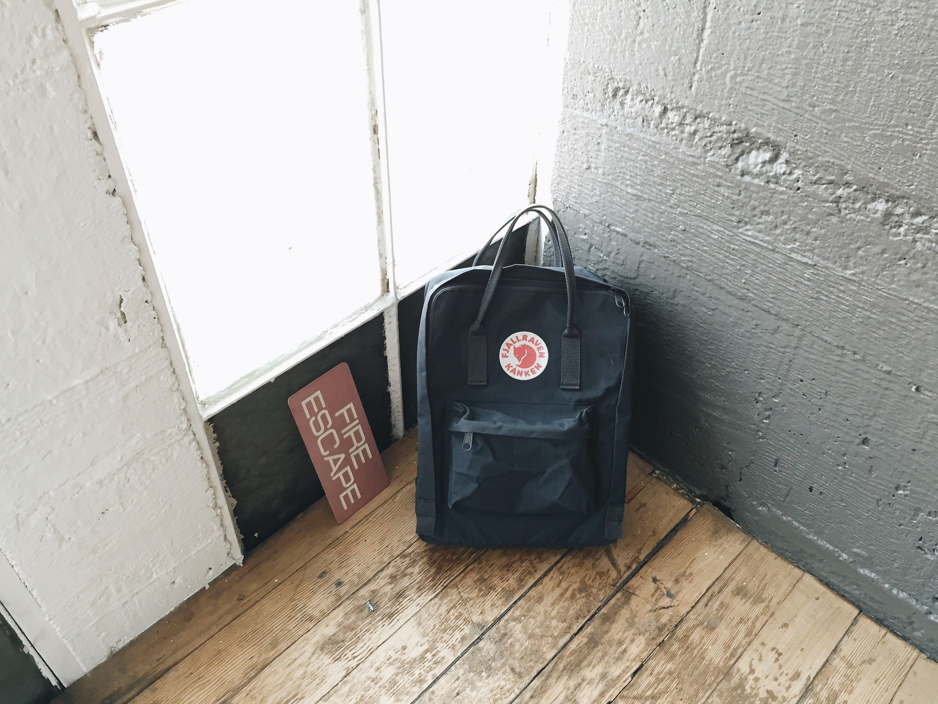 3956cbaf Fjallraven Kanken Classic Bag Review - Graphite   [ remotely fashion ...