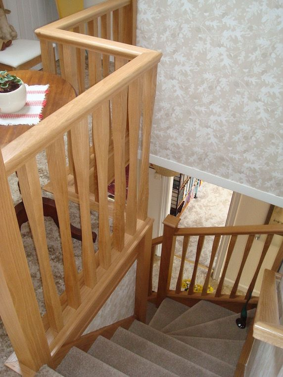Best Modern Sleek Oak Spindles On A Winder Staircase Timber 400 x 300