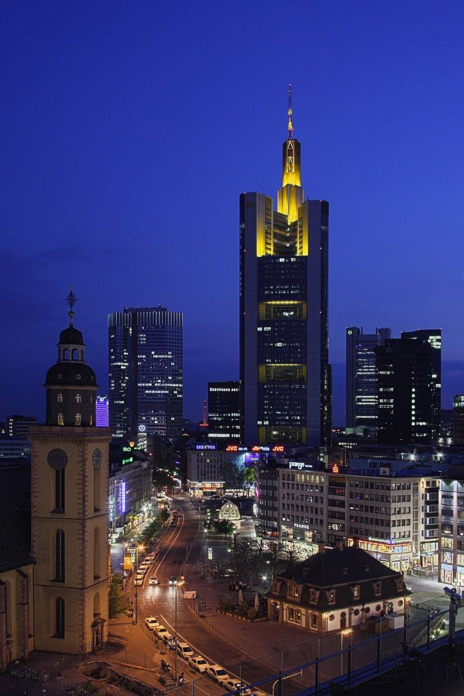 Commerzbank Tower The Commerzbank Tower Is A Well Known Skyscraper In The City Of Frankfurt Am Main Stadte Reise Frankfurt Am Main Reisen