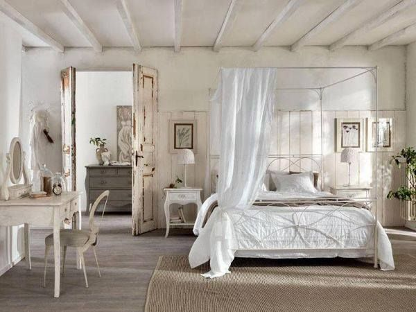 Charming shabby chic bedroom