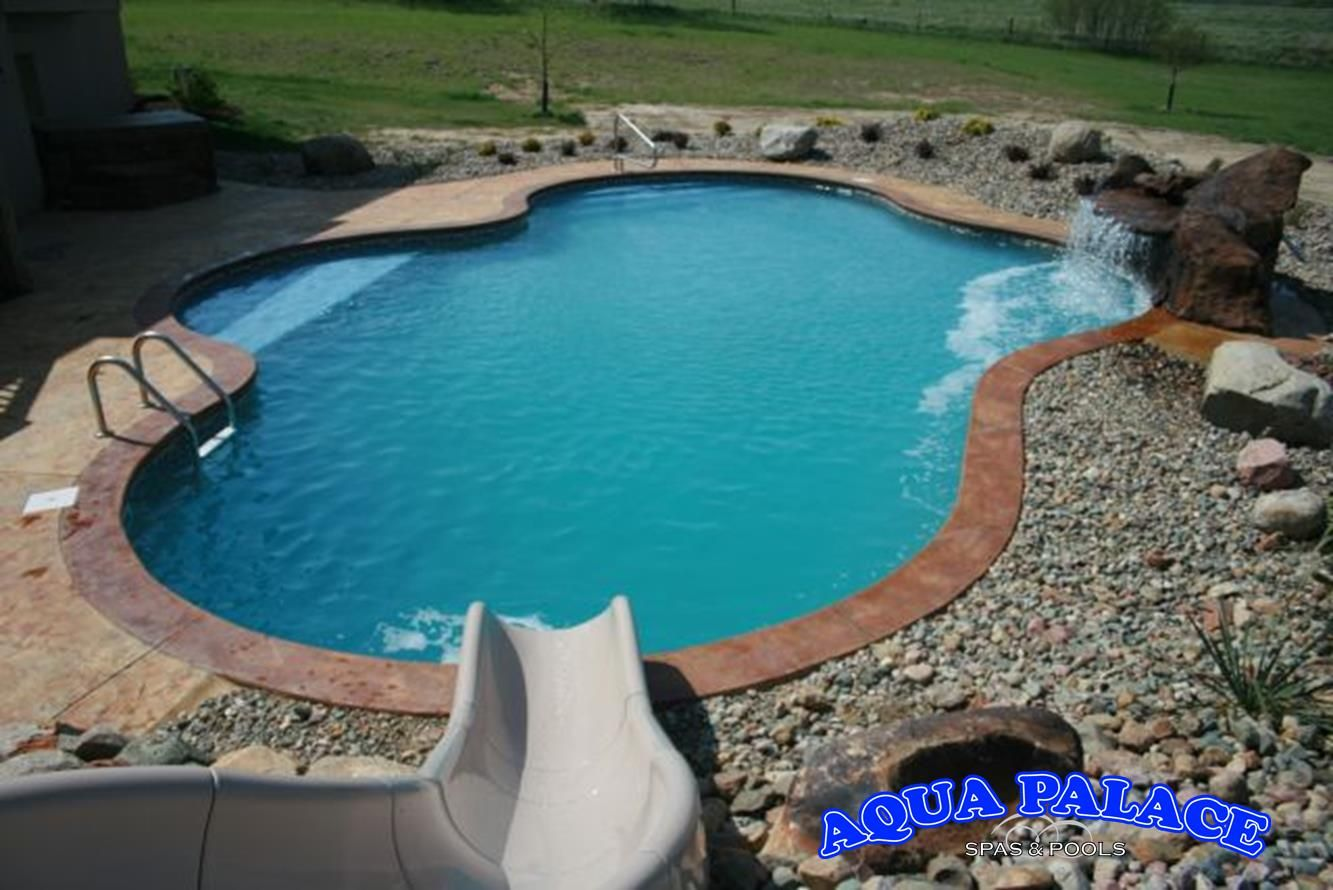 Vinyl liner pool with custom grotto aqua palace 810 for Vinyl swimming pool