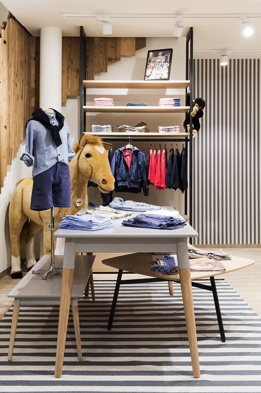 neues Schuhe für billige attraktiver Preis Sons & Daughters, Memmingen   Retail design   Store ...