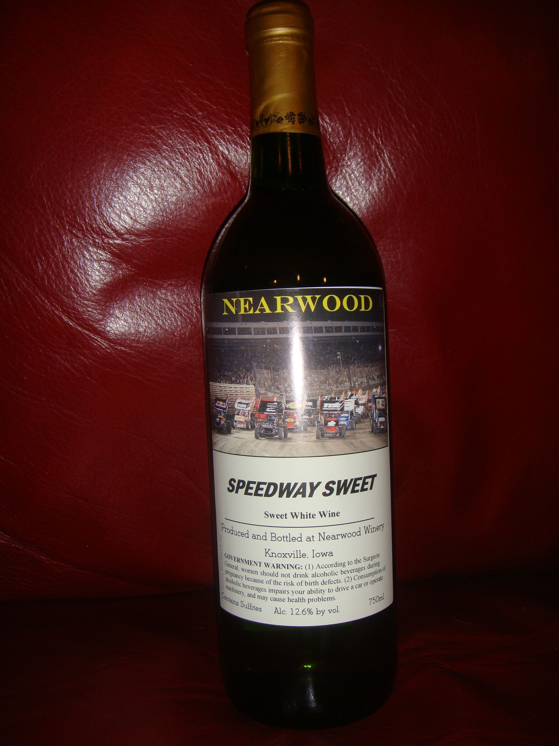 Speedway Sweet Sweet White Wine From The Nearwood Winery In Knoxville Ia Wine Wine Drinks