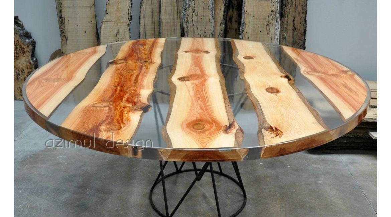 Tavolo in resina e legno di pino il legno completamente for Tavolo resina epossidica