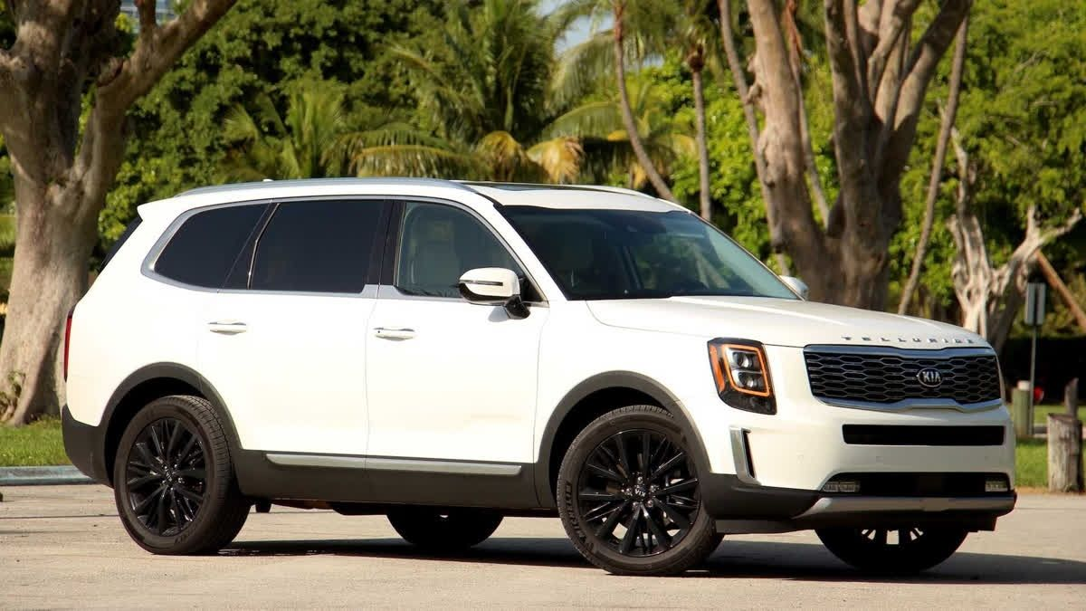 The 2020 Kia Telluride Has A Bunch Of Standard Safety Features
