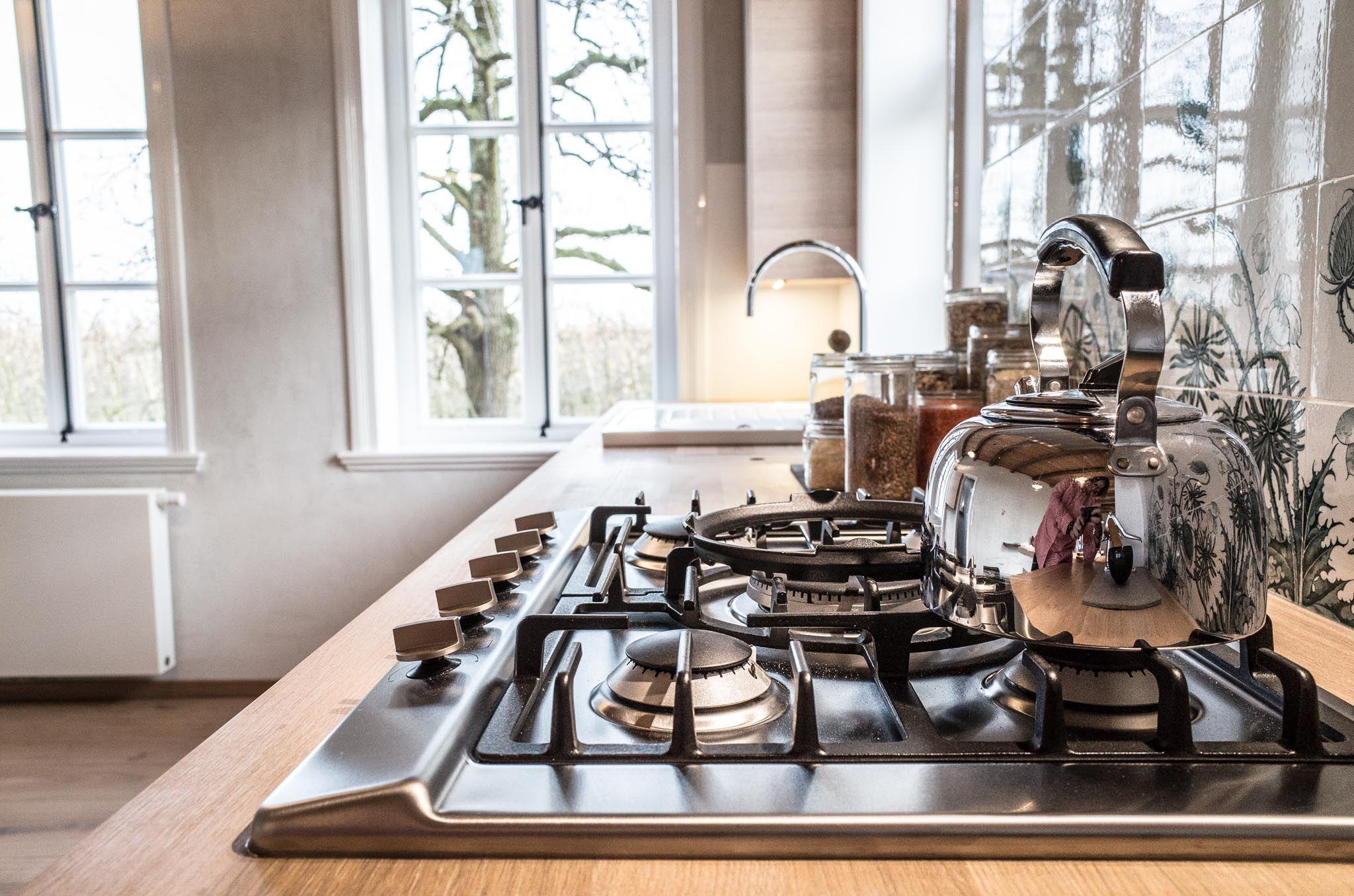 Die Küche liegt im Erdgeschoss und bietet viel Platz und Freiheit ...