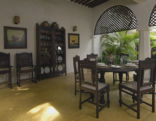 SWAHILI ARCHITECTURE AND INTERIOR DESIGN AT PALM HOUSE LAMU