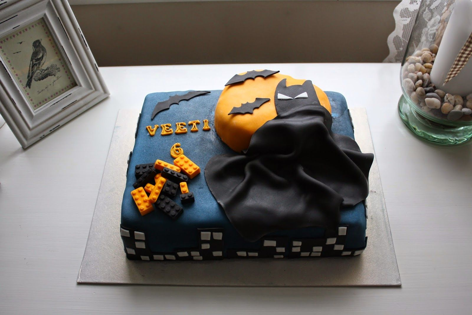 A LegoBatman inspired cake for Veeti on his 6th birthday made Nilla Hautasaari