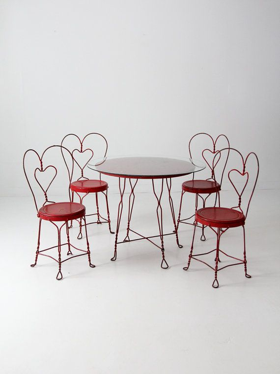 Circa 1930s This Is A Vintage Ice Cream Parlor Table And Chairs Set The Sweet Red Wrought Iron Features 4 With Matching