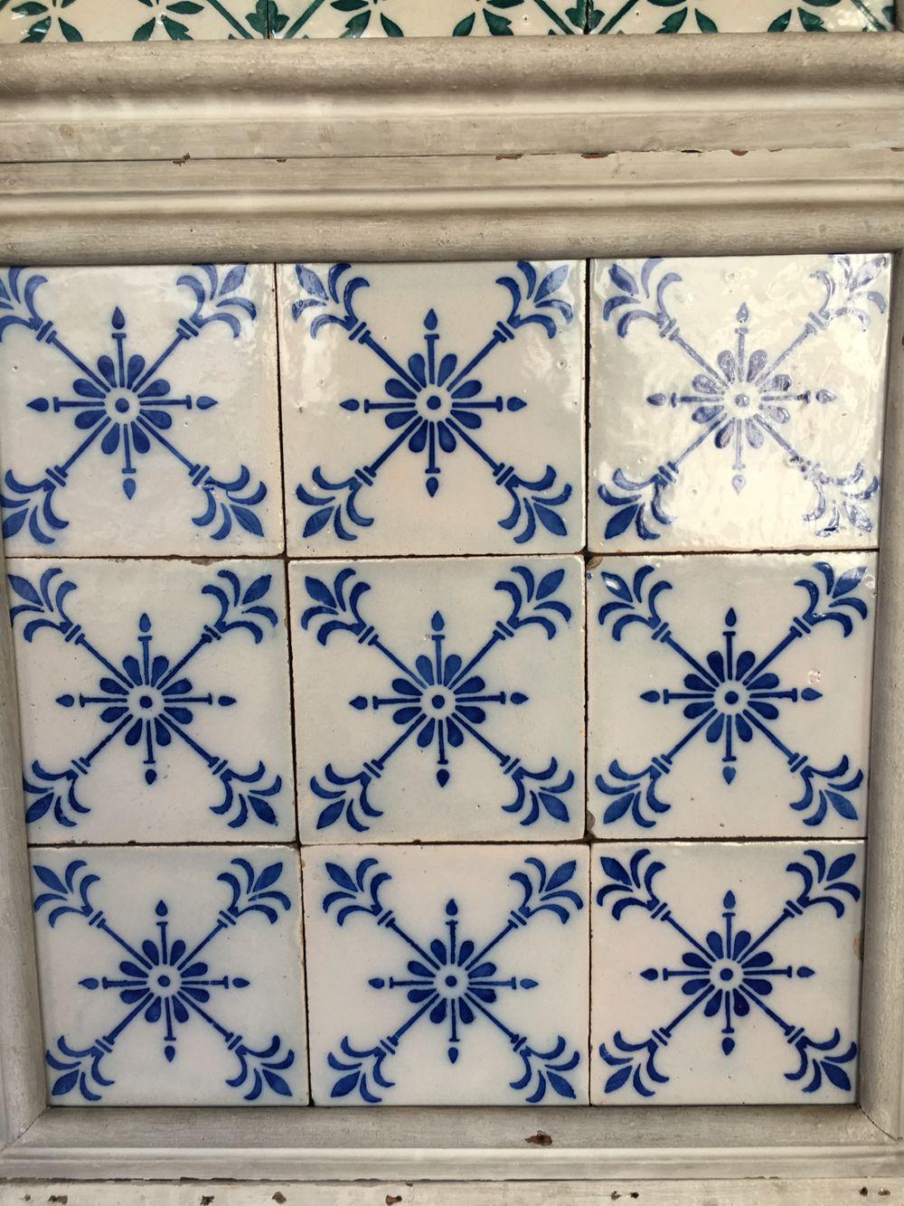 Die Mooiste Teeltjies Wil Dit He Most Beautiful Tiles I Want Some That Fleur De Lis Must Be In My Genes Art Deco Tiles Antique Tiles Tile Murals