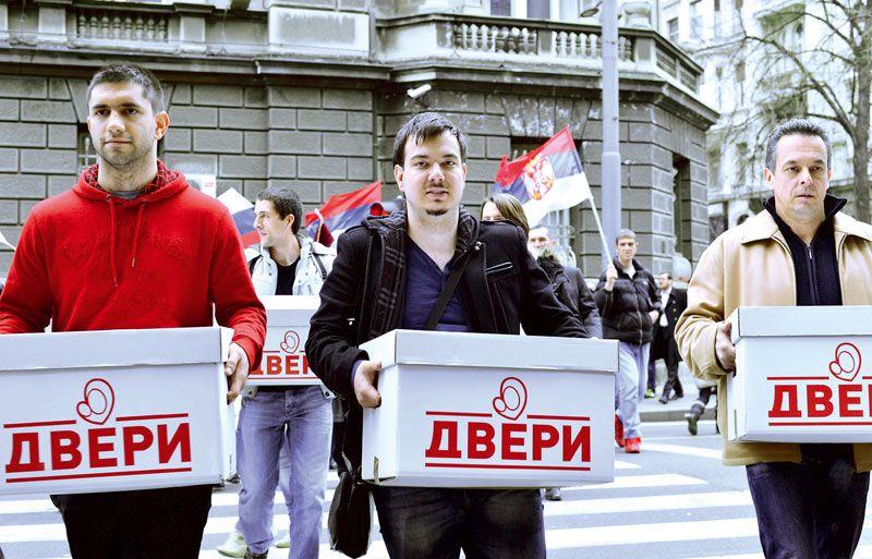 Кампања странака и коалиција - http://www.vaseljenska.com/politika/kampanja-stranaka-koalicija/