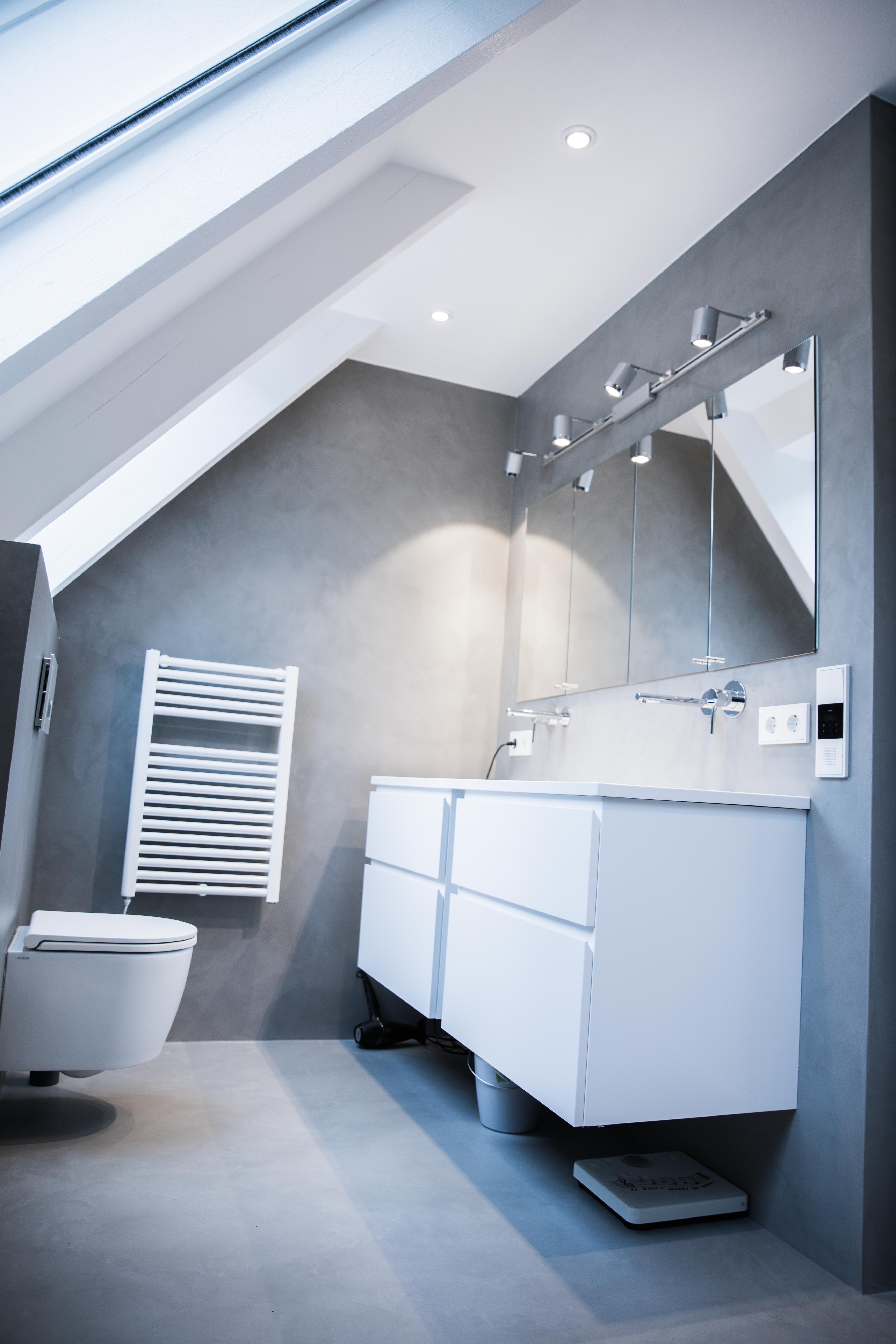 Pandomo Wall Designboden Badezimmer ohne Fliesen und Fugen ...