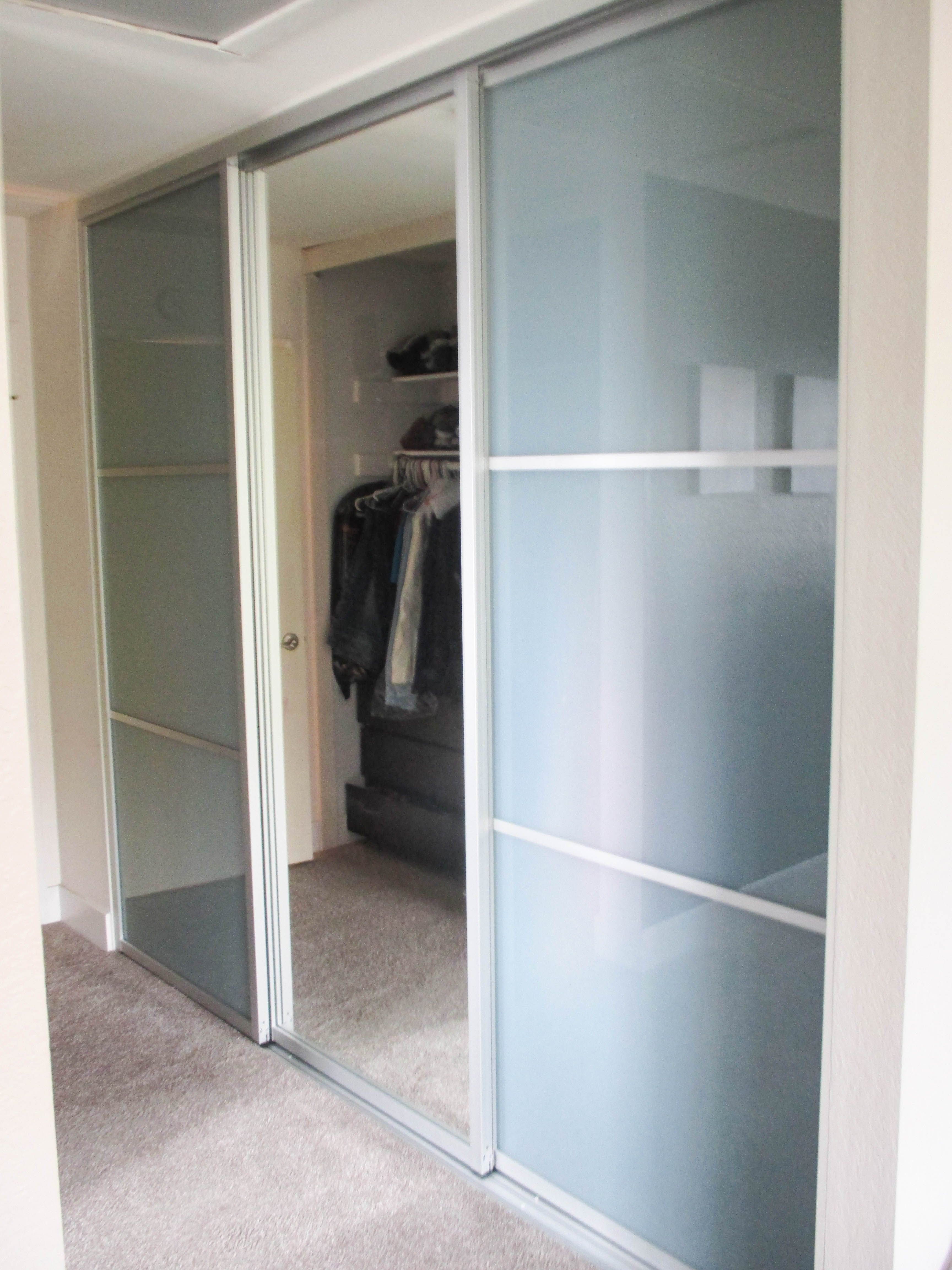 Gentil We Have Closet Doors To Compliment Your Homeu0027s Contemporary Interior! Check  Out These 3