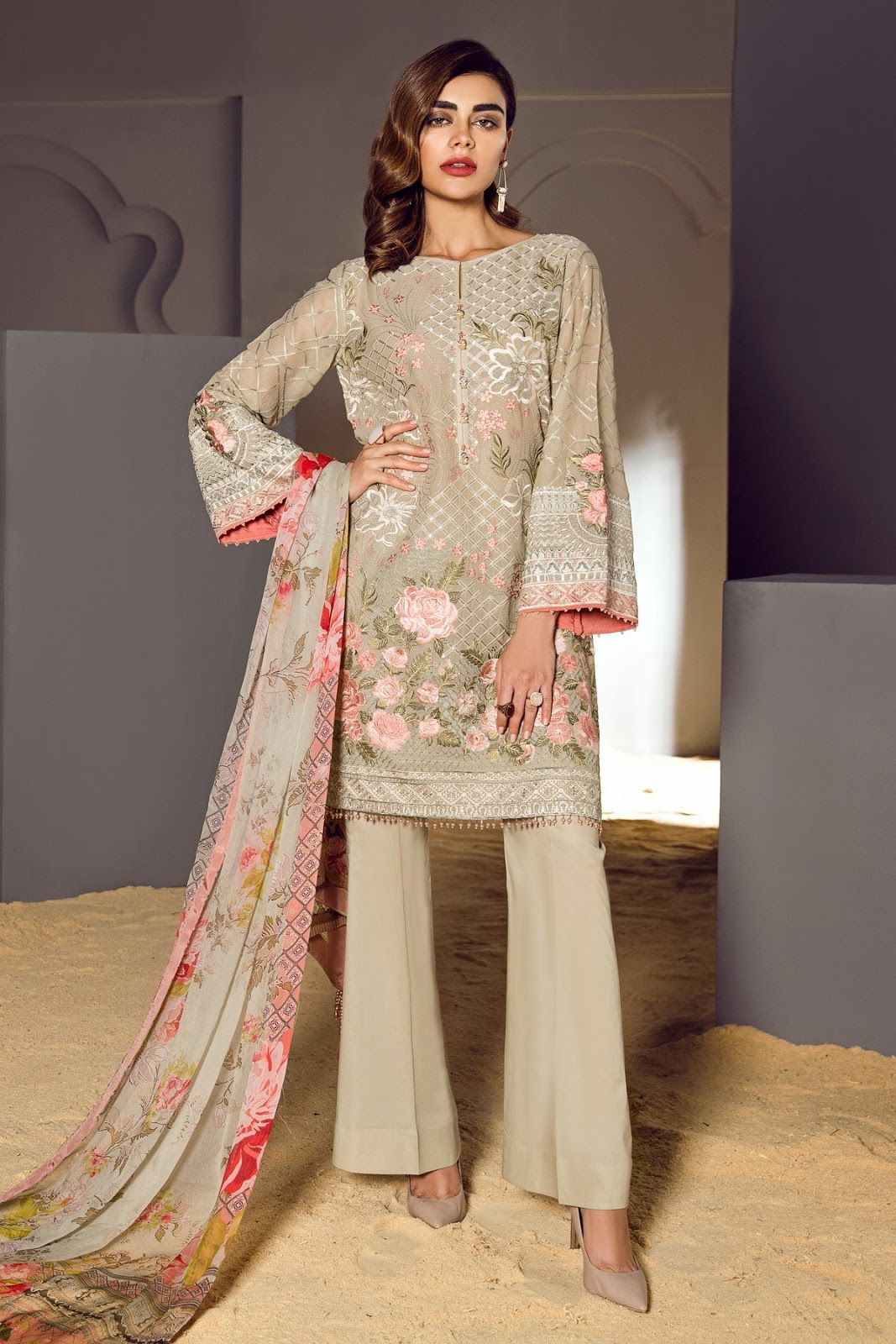 Pakistan Baroque Collection 2018 Unstitched Embroidery latest Shalwar Kamez Suit