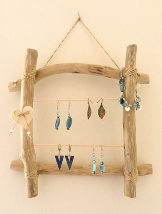 Loaven - Référence P007 Cadre porte-bijoux en bois flotté composé
