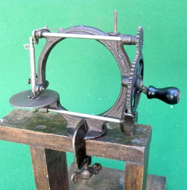 Secor FAIRY Small ChildSize Travel Size Antique Sewing Machine Impressive Travel Size Sewing Machine