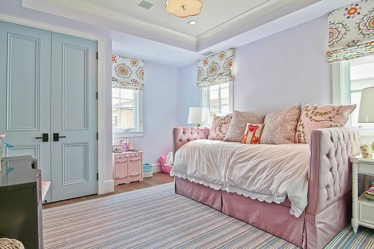 Blue And Pink Traditional Girl S Bedroom Boasting A Lilac